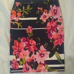 Melissa Paige Petite L flowered pencil skirt